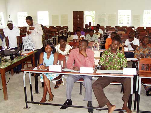 You are browsing images from the article: Formation des ambassadeurs de la démocratie à Sokodé, Part 1