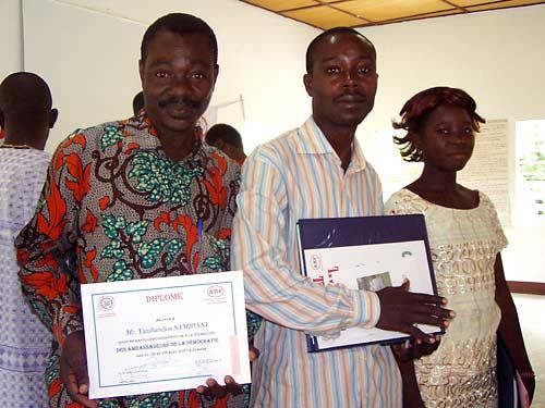 You are browsing images from the article: Formation des ambassadeurs de la démocratie à Sokodé, Part 2