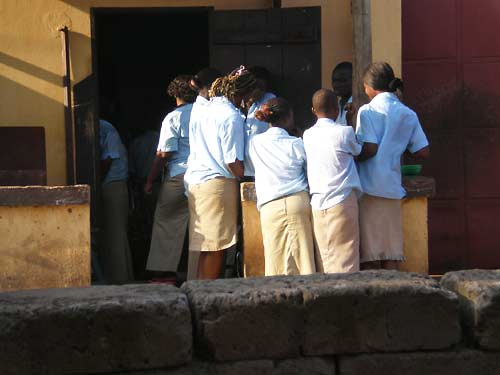 You are browsing images from the article: Justice sociale — les enfants du rue à Lomé